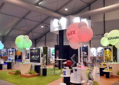 arbre-lumineux-mange-debout-personnalise-adhesif-lumineux-led-salon-stand-congres