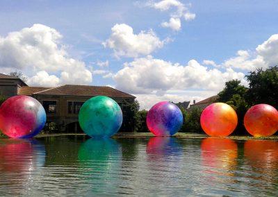 ballon-sphere-pvc-peint-art-etanche-sur-l-eau