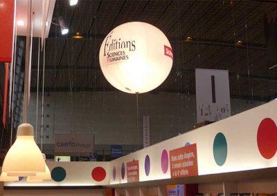 ballon-eclairant-helium-personnalise-marquage-salon-stand