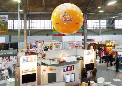 ballon-publicitaire-helium-personnalise-geant-salon