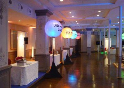 ballons-eclairants-lumineux-led-sur-pied-personnalise-convention-congres-seminaire-workshop