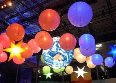 ballons-led-auto-ventiles-suspendus-couleurs-dmx