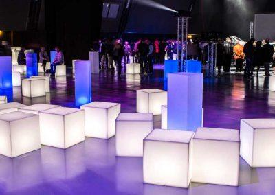 cubes-colonnes-assises-lumineuses-led