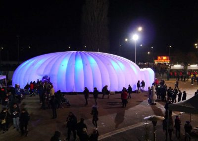 egg-structure-d-accueil-gonflable-igloo-geant