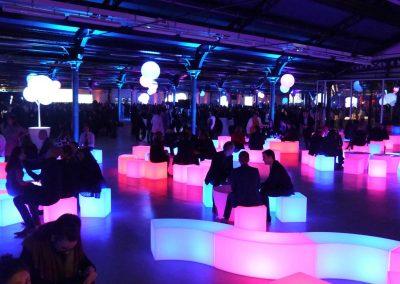 mobiliers-lumineux-autonomes-led-couleur-parc-floral-soiree-fin-annee