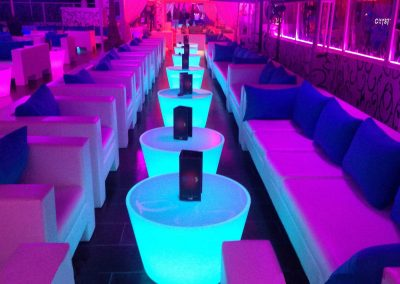 tables-basses-lumineuses-decoration